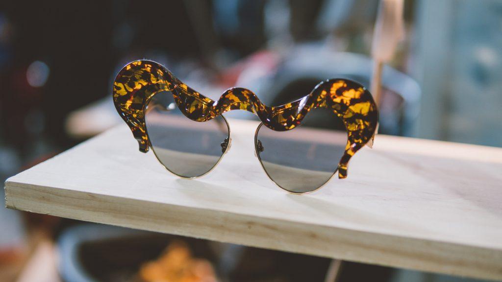 okulary przeciwsłoneczne damskie jak skóra węża
