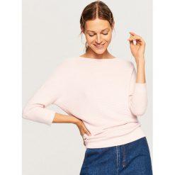 Sweter z rękawami 3/4 - Różowy. Czerwone swetry klasyczne damskie Reserved, l. Za 59,99 zł.