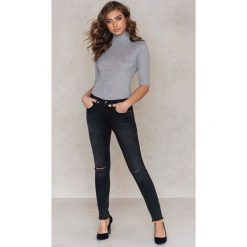 Rut&Circle Dżinsy Victoria - Black. Czarne jeansy damskie skinny Rut&Circle, z bawełny. W wyprzedaży za 55,19 zł.