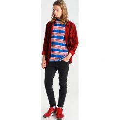 T-shirty męskie z nadrukiem: RVLT Tshirt z nadrukiem blue