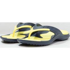 Crocs MODI SPORT FLIP Japonki kąpielowe navy/tennis ball green. Niebieskie japonki męskie marki Crocs, z gumy. Za 129,00 zł.