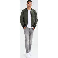 GStar Jeansy Straight Leg medium aged. Szare jeansy męskie G-Star. Za 559,00 zł.