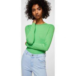 Mango - Jeansy Noa2. Niebieskie jeansy damskie Mango, z podwyższonym stanem. W wyprzedaży za 79,90 zł.