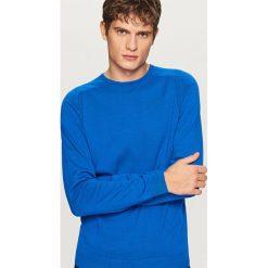Gładki sweter - Niebieski. Niebieskie swetry klasyczne męskie marki Reserved, l. Za 79,99 zł.