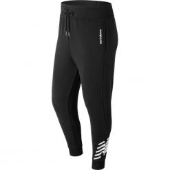 New Balance MP81507BK. Czarne spodnie dresowe męskie marki New Balance, z dresówki. W wyprzedaży za 149,99 zł.