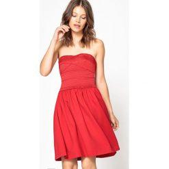 Sukienki hiszpanki: Gładka, gorsetowa, krótka sukienka bez rękawów