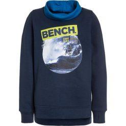 Bench GRAPHIC FUNNEL  Bluza dark navy blue. Niebieskie bluzy chłopięce marki Bench, z bawełny. W wyprzedaży za 152,10 zł.