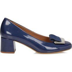 Buty ślubne damskie: Granatowe czółenka damskie