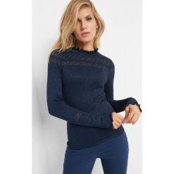 Ażurowy sweter z falbaną. Brązowe swetry klasyczne damskie marki Orsay, s, z dzianiny. Za 89,99 zł.