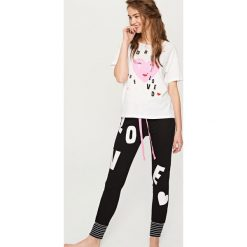 Bielizna nocna: Piżama z nadrukiem - Biały