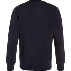 GANT CNECK  Bluza evening blue. Szare bluzy chłopięce marki GANT, z bawełny. Za 299,00 zł.