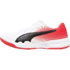 Puma VELOZ INDOOR Obuwie do piłki ręcznej white/black/flame scarlet. Białe buty do koszykówki damskie marki Puma, z gumy. Za 169,00 zł.