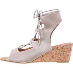 Rzymianki damskie: Stylesnob COLE  Sandały na koturnie stone