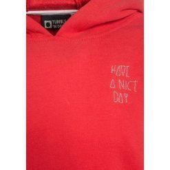Tumble 'n dry ESRAA Bluza z kapturem faded red. Pomarańczowe bluzy dziewczęce rozpinane marki Tumble 'n dry, z bawełny, z kapturem. W wyprzedaży za 135,20 zł.