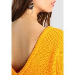 Swetry damskie: NAKD DEEP VNECK Sweter orange