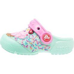 Crocs FUN LAB CLOG Sandały kąpielowe mint/party pink. Czarne sandały chłopięce marki Crocs, z materiału. Za 129,00 zł.
