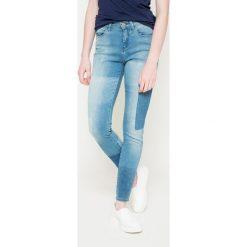 Wrangler - Jeansy High Rise Skinny Indigo Rules. Niebieskie jeansy damskie rurki Wrangler, z bawełny, z podwyższonym stanem. W wyprzedaży za 269,90 zł.