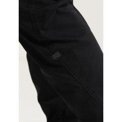 GStar POWEL QANE 3D TAPERED CUFFED Bojówki dark black. Czarne bojówki męskie marki G-Star, z bawełny. Za 559,00 zł.