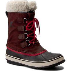 Śniegowce SOREL - Winter Carnival NL1495 Redwood/Candy Apple 628. Czerwone buty zimowe damskie Sorel, z gumy. W wyprzedaży za 279,00 zł.