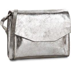 Torebka CLARKS - Treen Island  Silver Leather. Szare listonoszki damskie Clarks, z lakierowanej skóry, lakierowane. W wyprzedaży za 209,00 zł.