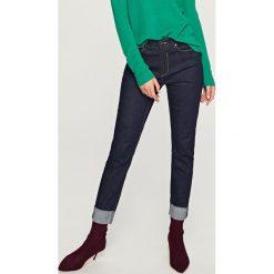 Jeansy regular fit - Granatowy. Niebieskie jeansy męskie regular marki Reserved. Za 99,99 zł.