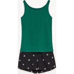 Piżama z szortami - Zielony. Zielone piżamy damskie Reserved, m. W wyprzedaży za 39,99 zł.