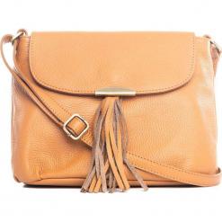 Skórzana torebka w kolorze brązowym - 27 x 22 x 10 cm. Brązowe torebki klasyczne damskie Mia Tomazzi, z aplikacjami, z materiału. W wyprzedaży za 227,95 zł.