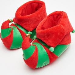 Ciepłe kapcie elfa - Czerwony. Białe kapcie damskie marki Reserved. Za 59,99 zł.