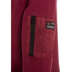 Retour Jeans JACK Bluza z kapturem dark red. Białe bluzy chłopięce rozpinane marki Retour Jeans, z bawełny. W wyprzedaży za 186,75 zł.