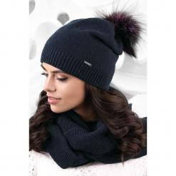 Czapka damska Vercelli. Czarne czapki zimowe damskie Astratex, na zimę, w gradientowe wzory, z dzianiny. Za 82,99 zł.