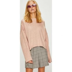Trendyol - Sweter. Różowe swetry oversize damskie Trendyol, l, z dzianiny, z okrągłym kołnierzem. Za 79,90 zł.