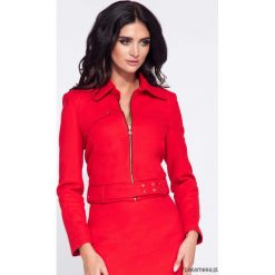 Czerwona krótka elegancka kurtka damska. Czerwone kurtki damskie Pakamera, w paski. Za 199,00 zł.