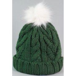 Czapka damska i biały króliczy pompon zielona (cz2505). Białe czapki zimowe damskie Art of Polo. Za 36,52 zł.