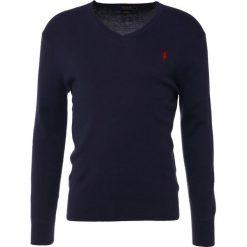 Polo Ralph Lauren Sweter hunter navy. Szare swetry klasyczne męskie marki Polo Ralph Lauren, z bawełny. W wyprzedaży za 495,20 zł.