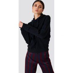 NA-KD Basic Bluza z kapturem basic - Black. Czarne bluzy rozpinane damskie NA-KD Basic, z bawełny, z długim rękawem, długie, z kapturem. Za 100,95 zł.