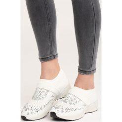Białe Buty Sportowe Fornax. Pomarańczowe buty sportowe damskie marki Born2be, z materiału. Za 49,99 zł.