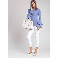 Niebieski Sweter Fantastic Woman. Niebieskie swetry klasyczne damskie marki other, na jesień, l. Za 89,99 zł.