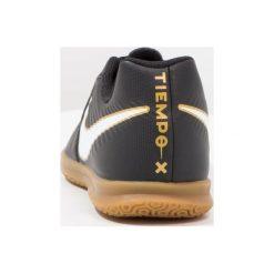 Nike Performance TIEMPOX RIO IV IC Halówki black/white. Czarne buty skate męskie Nike Performance, z gumy, do piłki nożnej. W wyprzedaży za 135,20 zł.