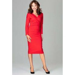 Czerwona Stylowa Sukienka z Kopertowym Dekoltem. Czerwone sukienki balowe marki Molly.pl, l, z jeansu, z dekoltem na plecach, z długim rękawem. Za 159,90 zł.