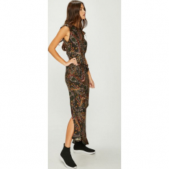 Answear - Sukienka Nomad. Szare długie sukienki ANSWEAR, na co dzień, m, z tkaniny, casualowe, z dekoltem w łódkę, proste. W wyprzedaży za 179,90 zł.