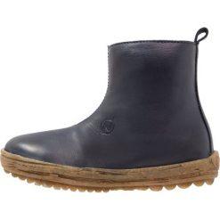 Naturino DESERT Botki blue. Niebieskie buty zimowe damskie Naturino, z futra. W wyprzedaży za 343,20 zł.