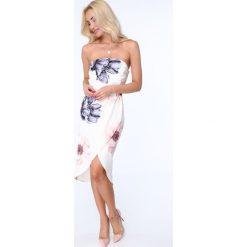 Sukienka w kwiaty bez ramiączek kremowa ZZ315. Białe sukienki marki Fasardi, l, w kwiaty, bez ramiączek. Za 89,00 zł.