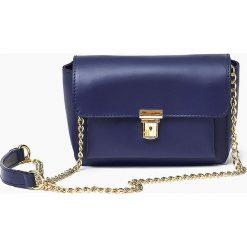 Włoska skórzana torebka CHANELKA granatowa. Niebieskie listonoszki damskie Vera Pelle, w paski, ze skóry. Za 159,90 zł.