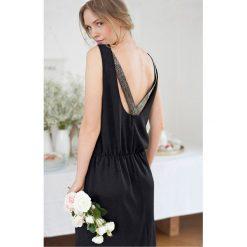 Sukienki hiszpanki: Sukienka okolicznościowa, ozdobne detale na plecach