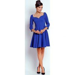 Sukienki: Kobaltowa Kobieca Rozkloszowana Sukienka z Dekoltem w Serce