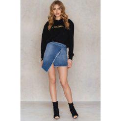 Bluzy rozpinane damskie: NA-KD Bluza z kapturem Girlboss - Black