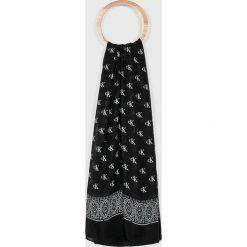 Calvin Klein Jeans - Chusta. Czarne chusty damskie marki Calvin Klein Jeans, z bawełny. Za 179,90 zł.
