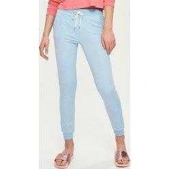 Spodnie dresowe damskie: Dresowe spodnie – Niebieski