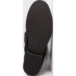 Even&Odd Muszkieterki black. Czarne buty zimowe damskie Even&Odd, z materiału. W wyprzedaży za 271,20 zł.