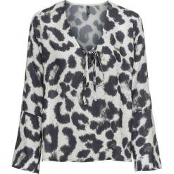 Bluzka z rękawami z falbanami bonprix jasnoszary-czarny leo. Szare bluzki z odkrytymi ramionami marki bonprix. Za 89,99 zł.